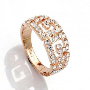Дамски пръстен с бели австрийски кристали и жълто златно покритие