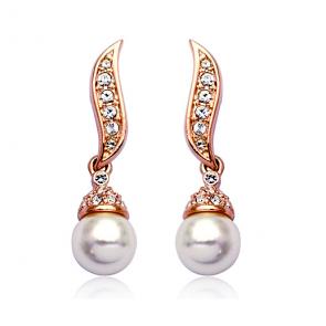 Дамски обеци с бели перли, австрийски кристали и златно покритие
