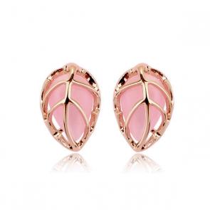 Дамски обеци с 18 карата златно покритие и розов синтетичен опал.