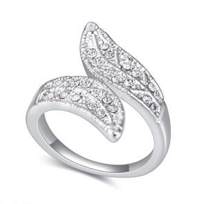 """Дамски пръстен """"Бяла Фея"""" с австрийски камъни и бяло златно покритие"""