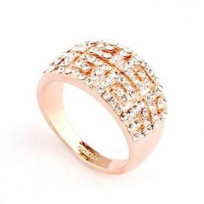 Дамски пръстен с бели австрийски камъни и розово златно покритие