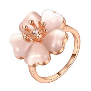 Дамски пръстен с бял опал и розово златно покритие