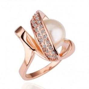 """Дамски пръстен """"Златна Перла"""" с австрийски кристали и златно покритие"""