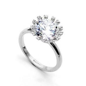 Дамски пръстен с бели кристали циркон и 18К златно покритие.