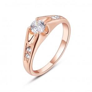 Дамски пръстен с бели камъни циркон и розово златно покритие