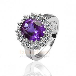 Дамски пръстен с лилав австрийски кристал и бяло златно покритие