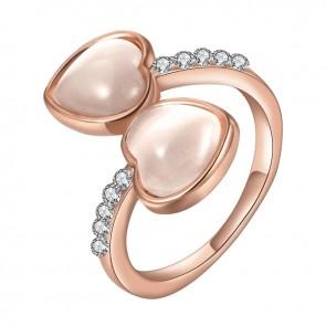 """Дамски пръстен """"Две Сърца"""" с бял опал и златно покритие"""